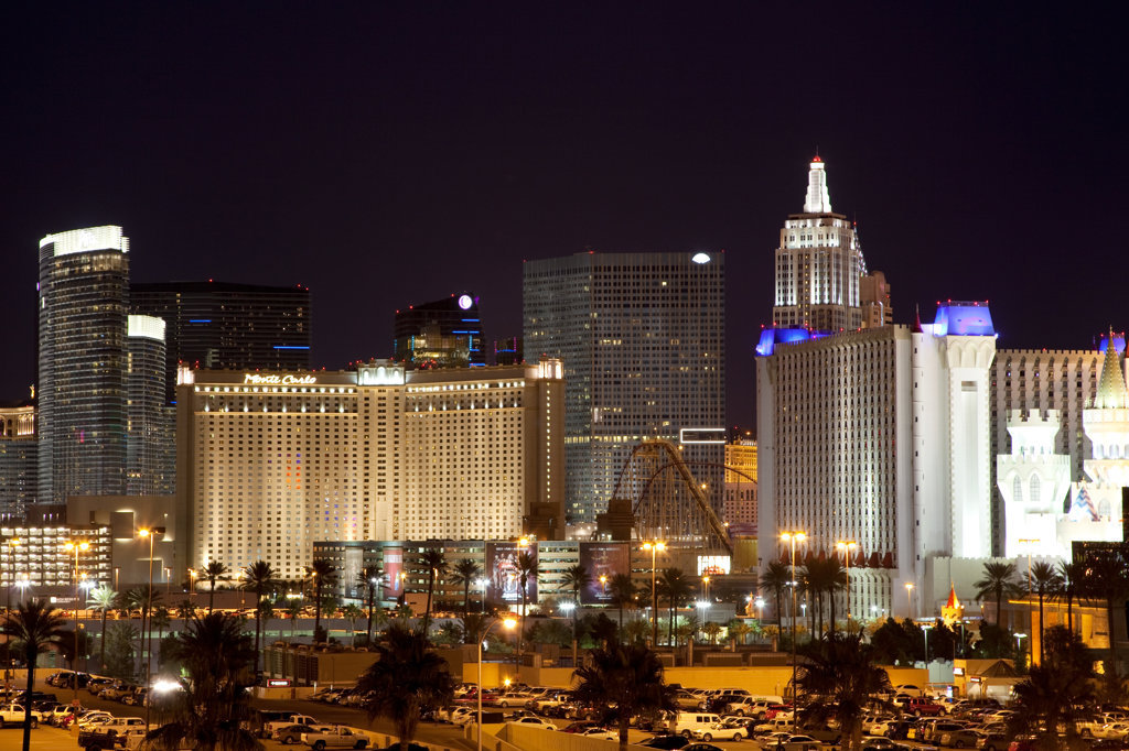 Stock Photo: 4017-3285 Hotels and casinos lit up at night on the Las Vegas Strip, Las Vegas, Clark County, Nevada, USA