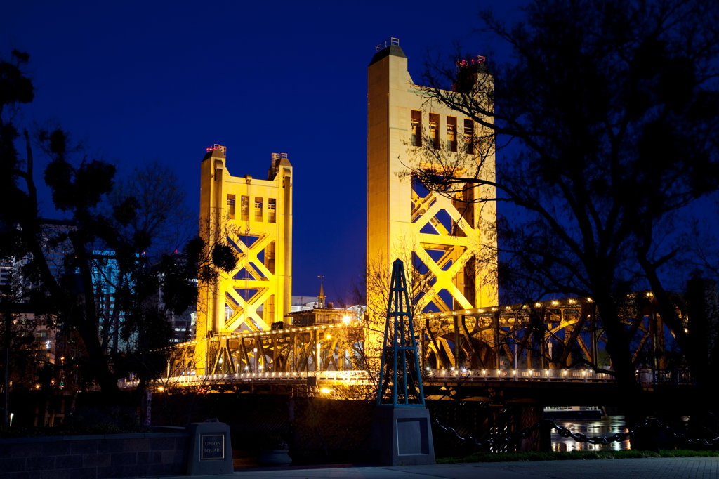 Stock Photo: 4017-3364 Tower Bridge, Sacramento, California at dusk