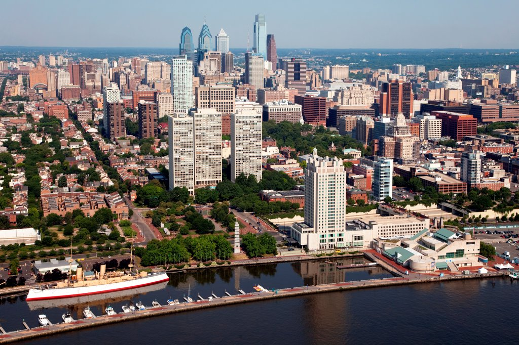 Stock Photo: 4017-3617 Philadelphia, Pennsylvania Skyline from over the Delaware River
