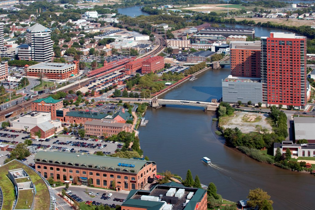 Stock Photo: 4017-3719 USA, Pennsylvania, Wilimington, Delaware, Aerial of Christina River