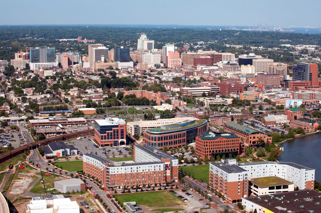 Stock Photo: 4017-3720 USA, Pennsylvania, Wilimington, Delaware with Christina Riverfront in Foreground