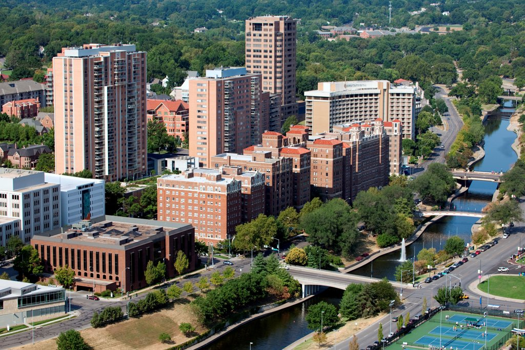 Stock Photo: 4017-3753 USA, Missouri, Kansas City, Aerial view of Brush Creek near Plaza district