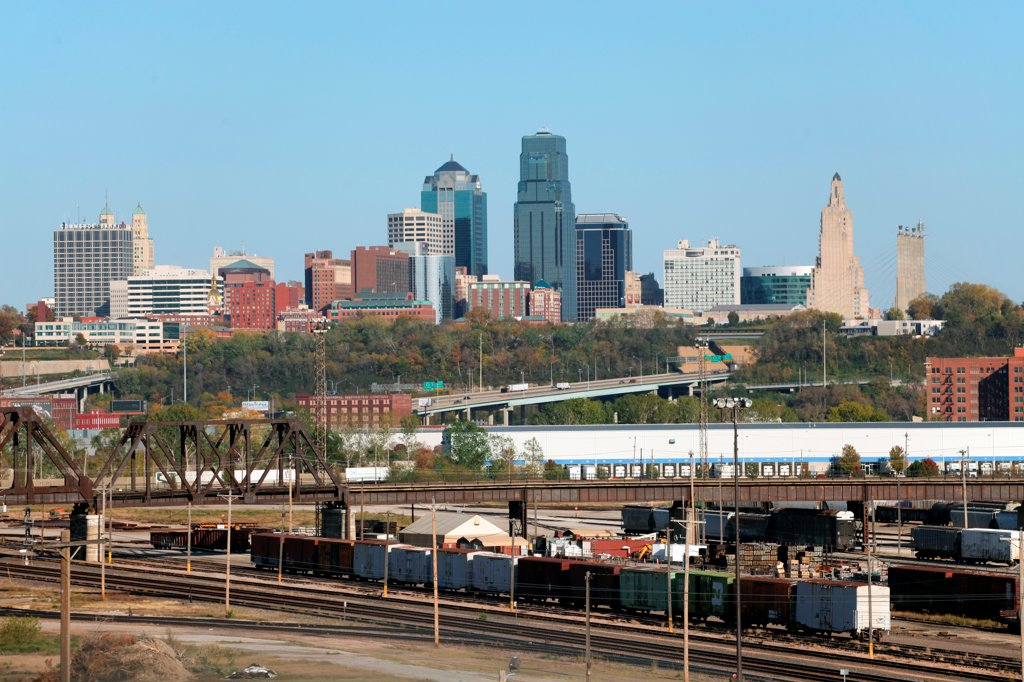Stock Photo: 4017-3765 USA, Missouri, Kansas City, Downtown with West Bottoms industrial District in foreground