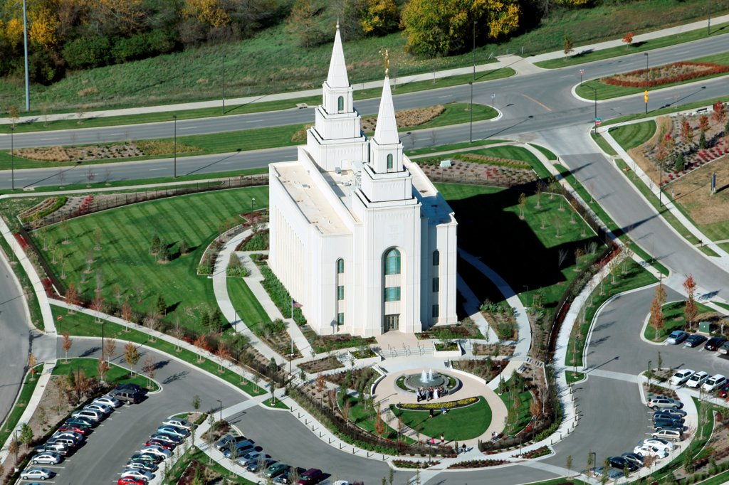 Stock Photo: 4017-3776 USA, Missouri, Kansas City, Aerial view of Temple in suburban Shoal Creek area of Northland near Liberty