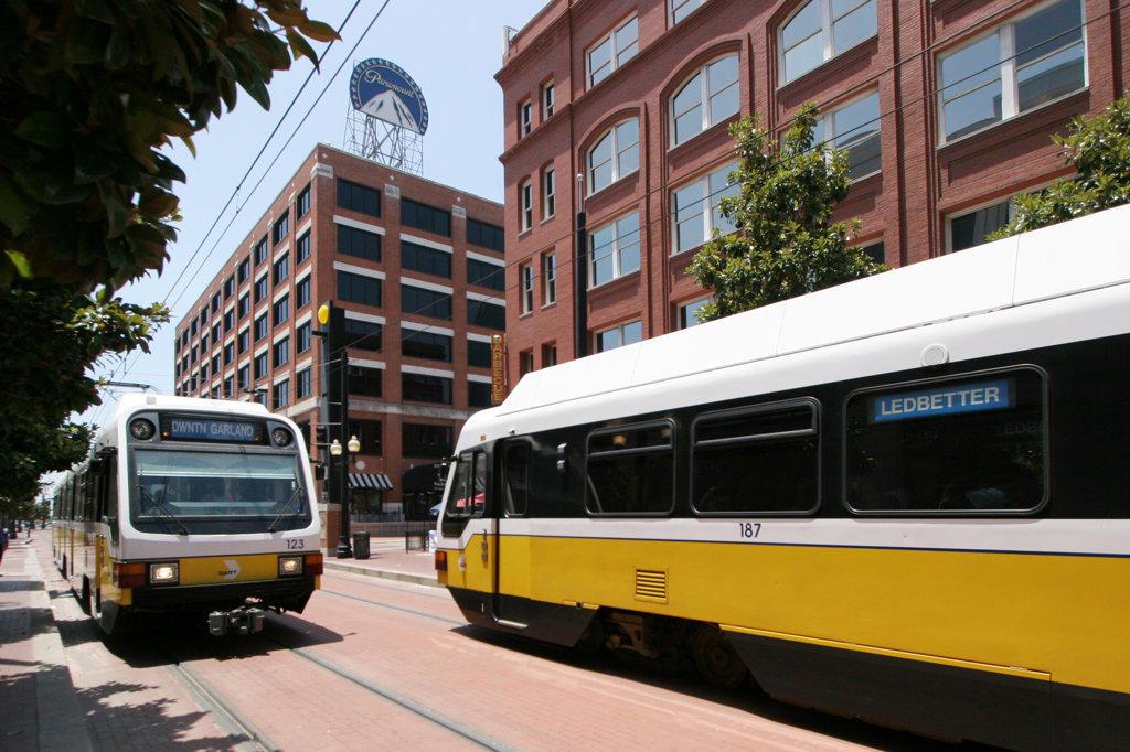 DART trains passing through Dallas West End : Stock Photo