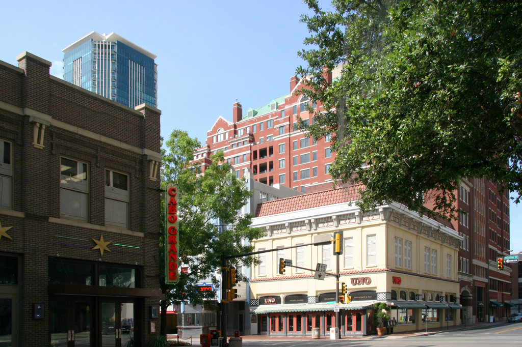 Stock Photo: 4017-681 Corner of 2nd and Houston in the Sundance District of Downtown Fort Worth