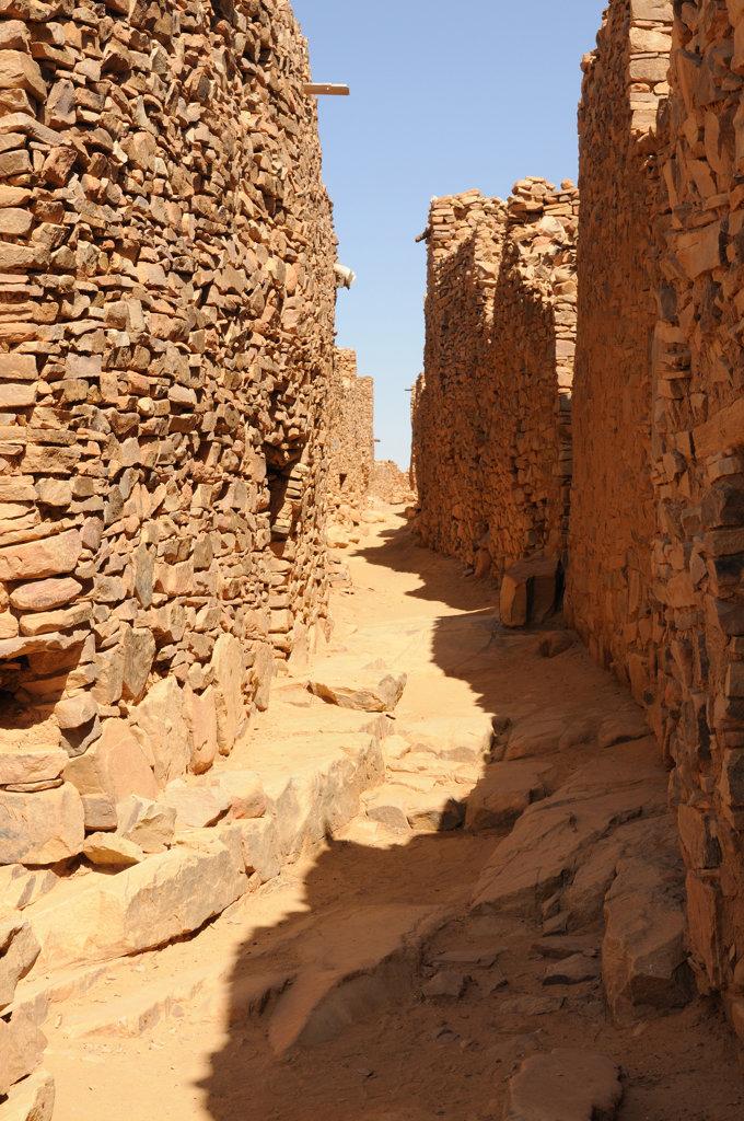 Stock Photo: 4021-1863 Mauretania, Ouadane, ruins of ancient city