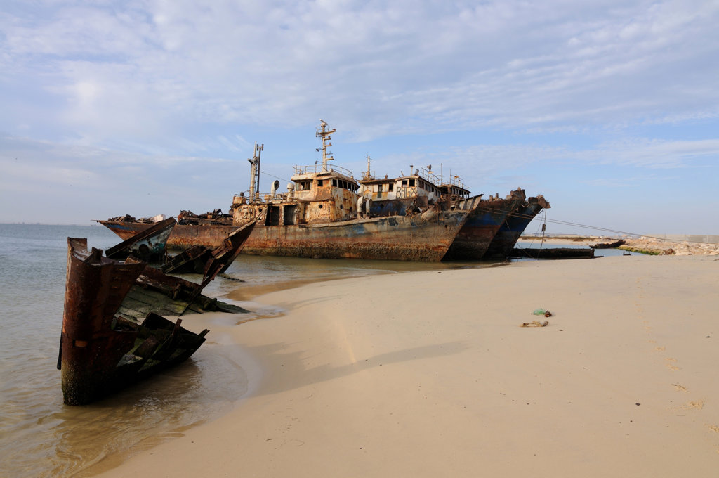 Mauritania, Nouadhibou, shipwreck on one of largest ship wreck cemeteries worldwide : Stock Photo