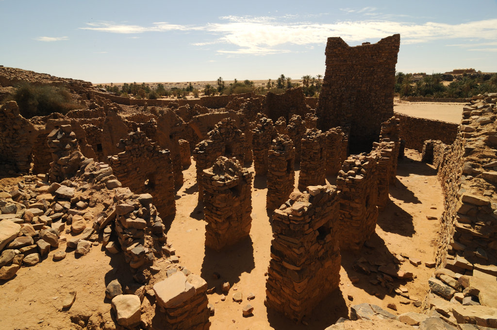 Stock Photo: 4021-2029 Mauritania, Ouadane, ruins