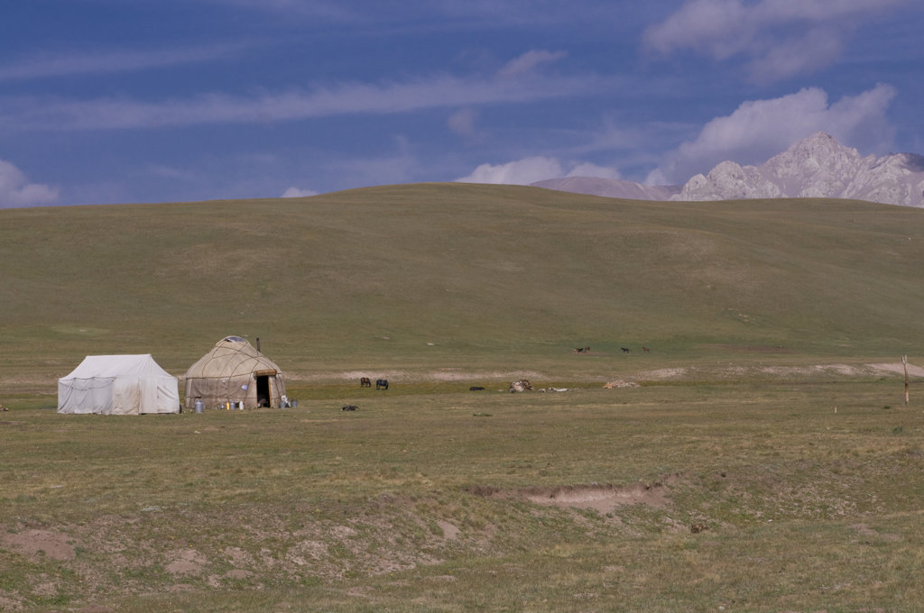 Kyrgyzstan, Song Kol, Landscape with yurts : Stock Photo