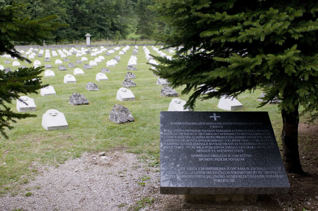 Slovenia, Vrsic Pass, Cemetery for dead soldiers : Stock Photo