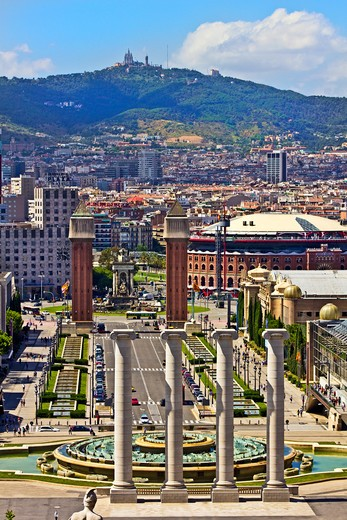 Stock Photo: 4028-2351 Barcelona, Catalonia, Spain, Palau Nacional, Avenida de la Reina Maria (Queen Maria Avenue) as seen from the National Palace of Montjuic