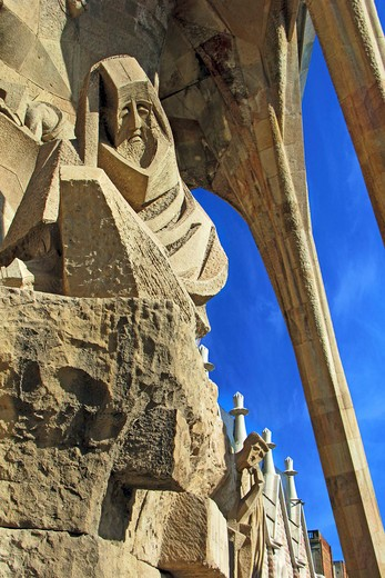 Barcelona, Catalonia, Spain, statues and stonework of  the Passion Facade of  the Temple of Sagrada Familia, by architect Josep Maria Subirachs. The Apostle Peter's Denial. : Stock Photo