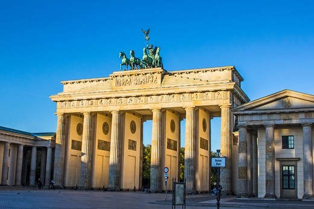 Stock Photo: 4028-3219 Berlin, Germany, the Brandenburg Gate (Brandenburger Tor).