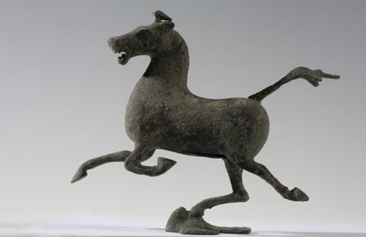 Stock Photo: 4029R-128762 Bronze artware of Horse Stepping on Flying Swallow (Han Dynasty)