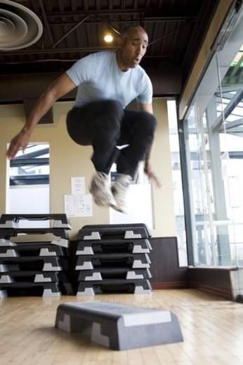 Stock Photo: 4029R-136300 endurance, 30s, effort, black, African American, exercise, 20s