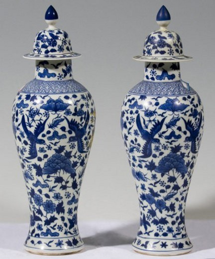 Stock Photo: 4029R-142424 White and blue porcelain goblet pots (Qing Dynasty)
