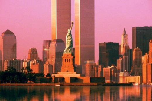 World Trade Center behind Statue of Liberty : Stock Photo