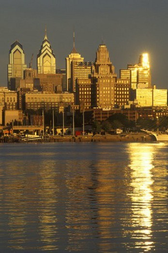 Stock Photo: 4029R-154449 Sunrise over Philadelphia from the Delaware River