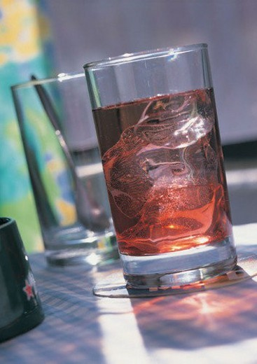 Stock Photo: 4029R-156500 Beverage, Shadow, Liquor, Reflection, Liquid
