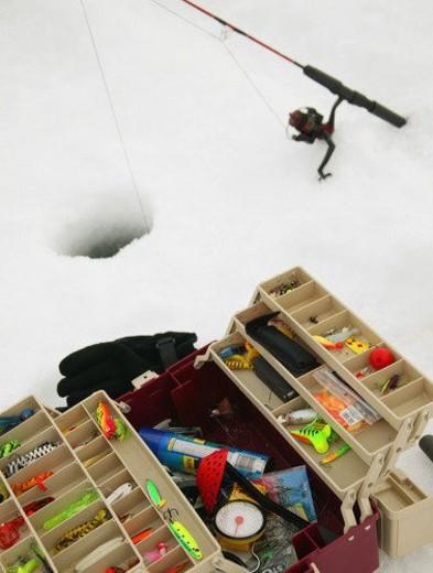 Stock Photo: 4029R-16847 Ice fishing