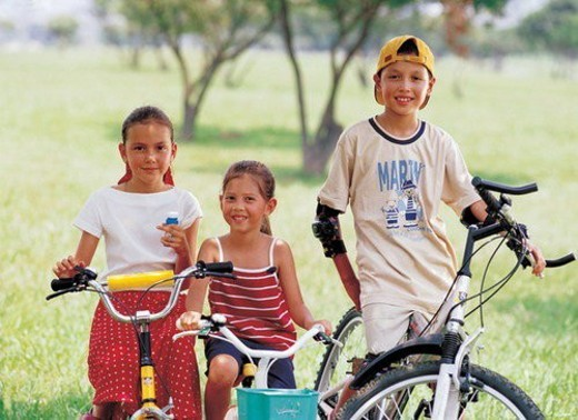 Stock Photo: 4029R-173128 bicycle, boys, blurred, 6-7 years