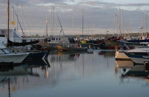 Stock Photo: 4029R-180541 Boats docked at a harbor in Gimli, Manitoba, Canada