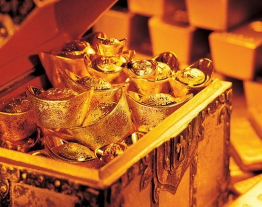 Stock Photo: 4029R-190565 commodity, opulence, wealth, storage, malleable, stack