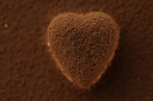 Stock Photo: 4029R-201283 Chocolate heart covered in cocoa powder