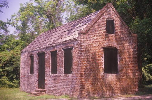 Stock Photo: 4029R-210340 Slave quarters in the South