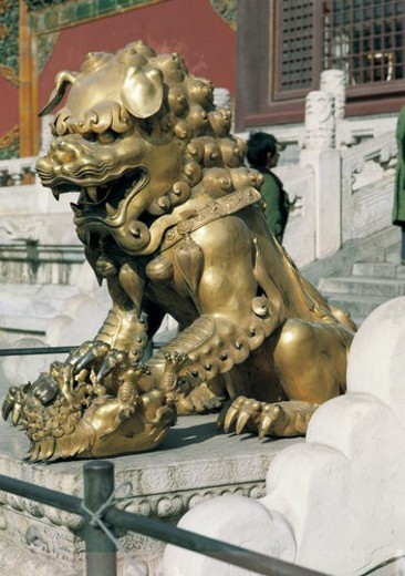 Stock Photo: 4029R-221528 Golden Lion, Imperial Palace, Beijing