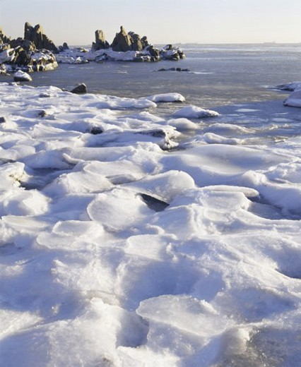 Stock Photo: 4029R-226907 Winter scene of ice and snow covered sea, Jinshanzui, Beidai River