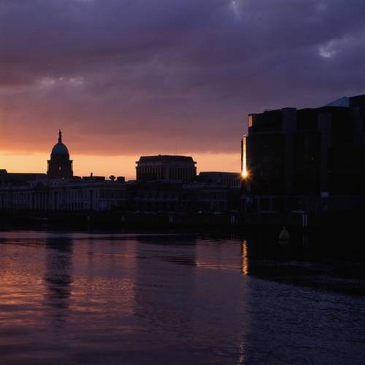 Custom House, International Financial Services Centre (IFSC), River Liffey, Dublin, Co Dublin, Ireland : Stock Photo