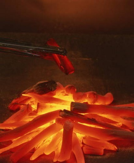 Stock Photo: 4029R-246974 Burning charcoal