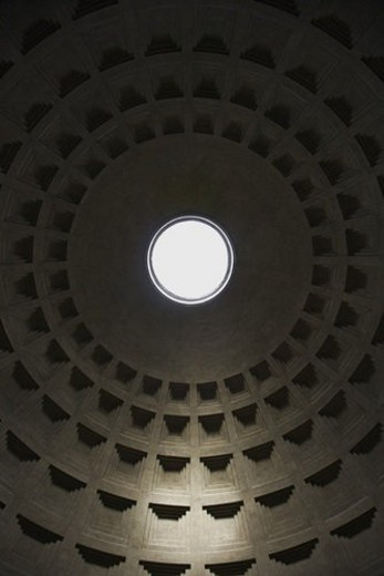 Stock Photo: 4029R-257708 Interior dome in Pantheon, Rome, Italy.