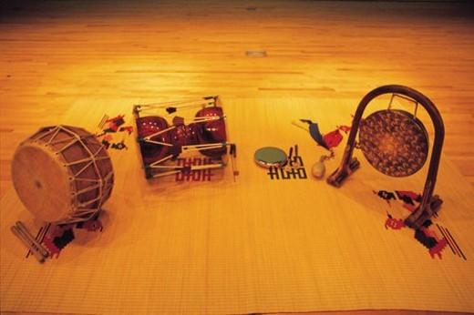 kkwaenggwari, tradition, gong, janggu, drum, jing, music : Stock Photo
