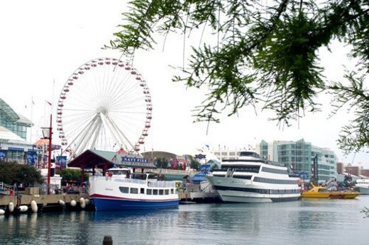 Harbor of Navy Pier on Lake Michigan, Chicago : Stock Photo