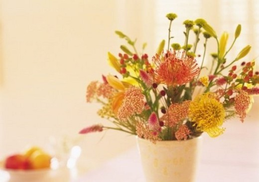 Flowers in Vase, High Angle View, Close Up, Differential Focus, In Focus, Out Focus, Toned Image : Stock Photo