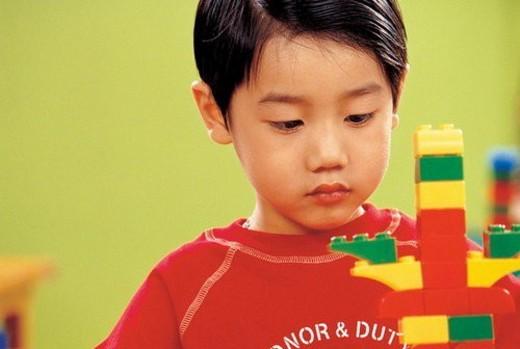 asian ethnicity, child, blocks, 5-6 years : Stock Photo