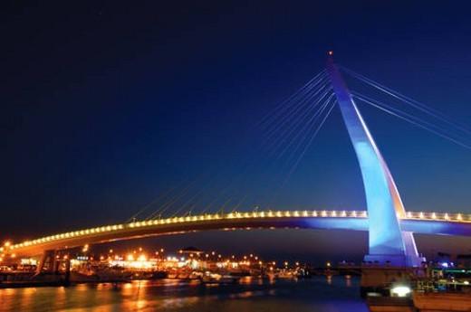 Bridge across a river, Lover s Bridge, Danshui Fisherman s Wharf, Taipei, Taiwan : Stock Photo
