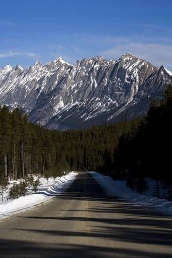 Maligne Range, Canadian Rocky Mountains, Alberta, Canada : Stock Photo