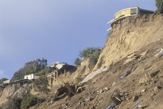 A home in Pacific Palisades, damaged in an earthquake : Stock Photo