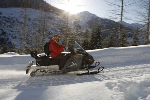 Stock Photo: 4029R-306936 snowmobile adventure tour in Whistler British Columbia