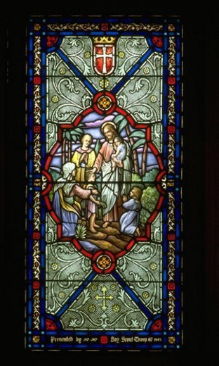 Stock Photo: 4029R-321268 Jesus blessing a family on stain glass