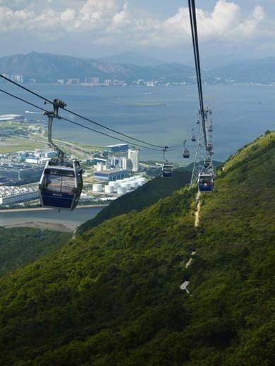 Stock Photo: 4029R-32800 China, Hong Kong, Lantau Island, cable cars