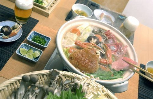 Stock Photo: 4029R-334690 Hot pot dish with crab and red sea bream