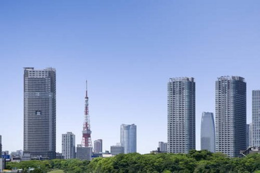 Stock Photo: 4029R-342966 Tokyo Tower and high rise buildings under sky, copy space, Tokyo prefecture, Japan