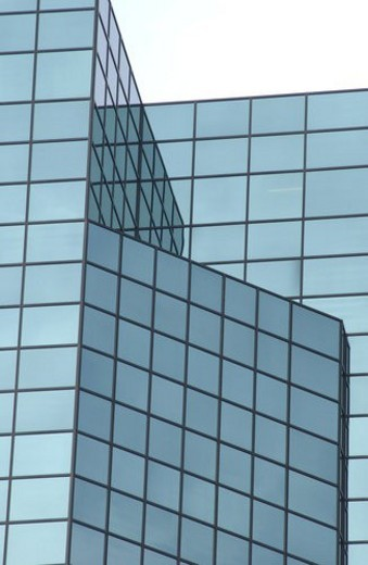 Stock Photo: 4029R-349056 High rise office building in Montreal, Canada