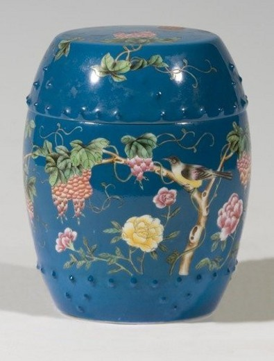 Blue glaze drum-shaped porcelain jar (Qing Dynasty) : Stock Photo