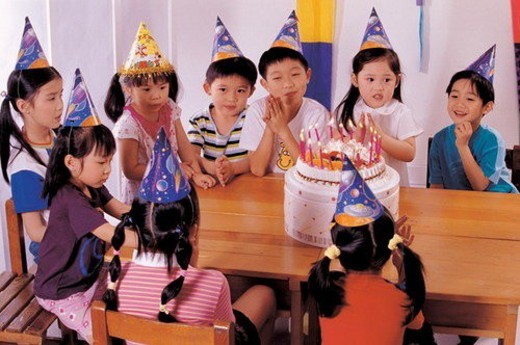 Stock Photo: 4029R-378095 occasion, cake, happy, children, culture, joy